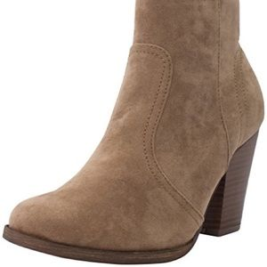 Shoes - Tan Booties